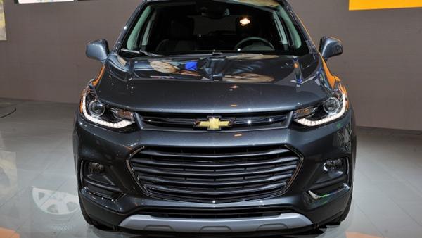 ven-man-Chevrolet-Trax-2017-tu-trong-ra-ngoai-khien-gioi-oto-me-man